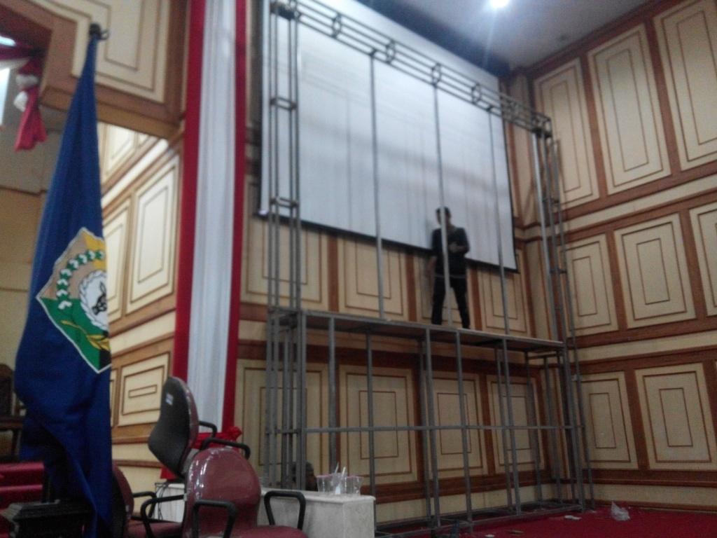 Konstruksi Videotron Surabaya