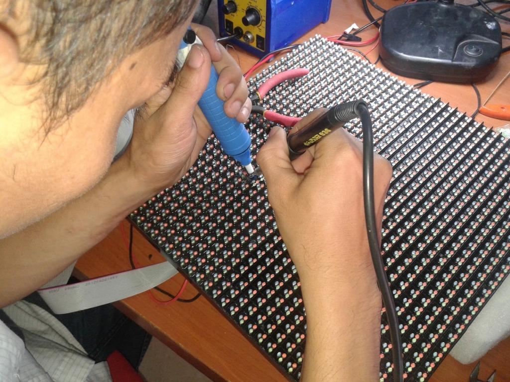 Jasa Konstruksi Videotron Surabaya